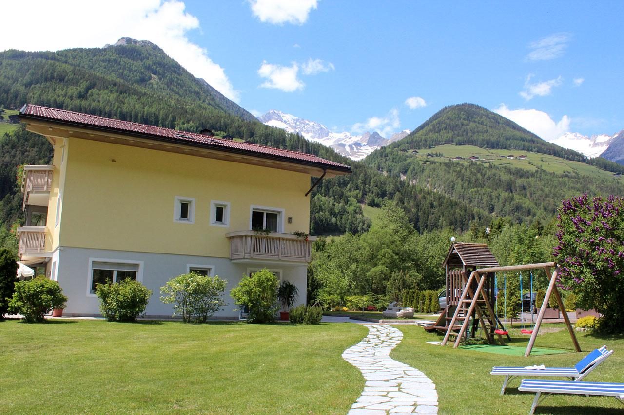 Vacanza con la famiglia e bambini in valle aurina - Hotel valle aurina con piscina ...