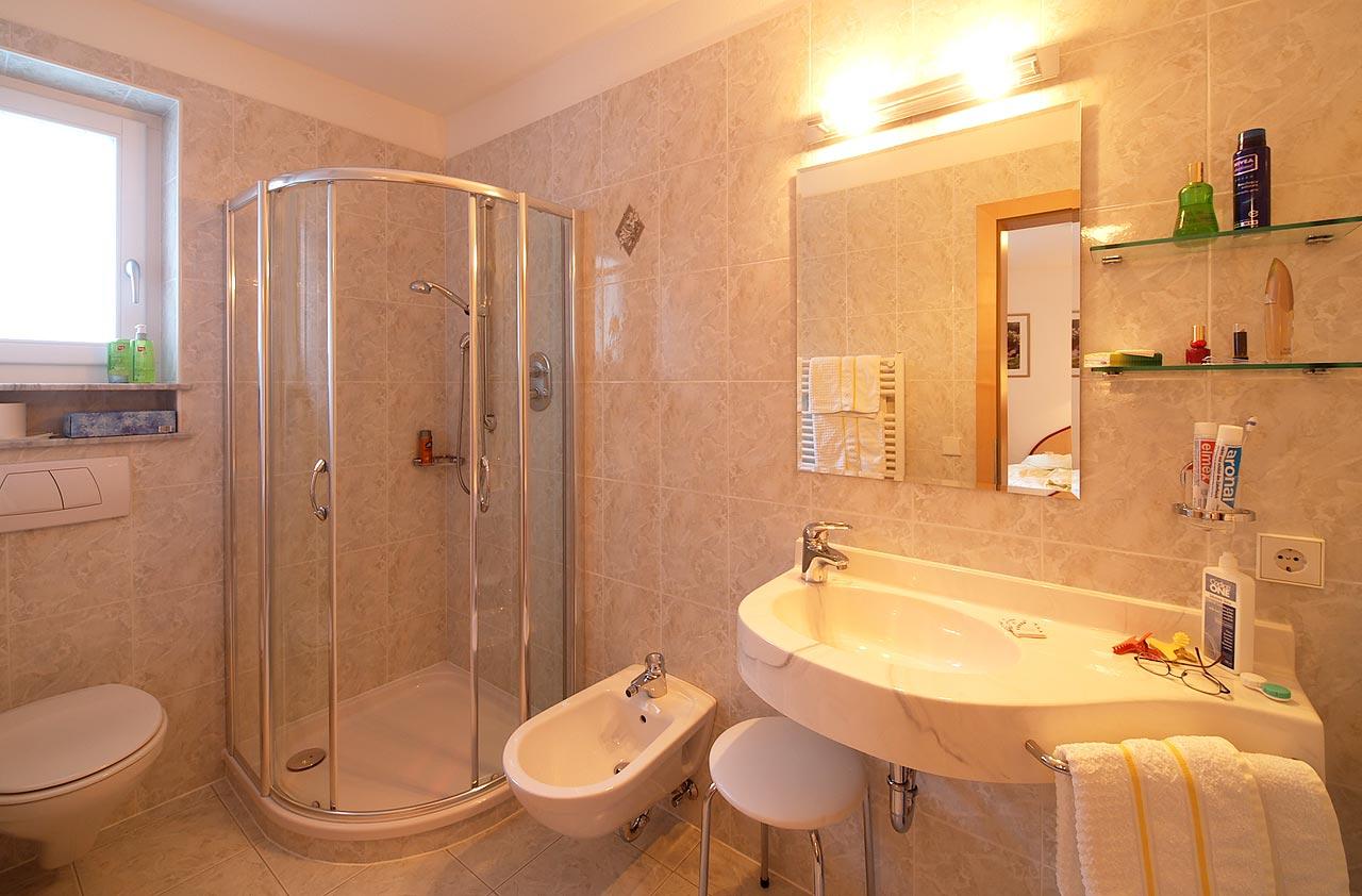 zimmer im ahrntal hotel erlhof - angebote und lastminute appartement, Badezimmer ideen